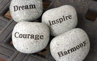Stenen, dream, inspire, courage, harmony